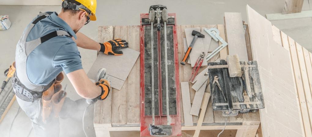 keramische tegels snijden of zagen
